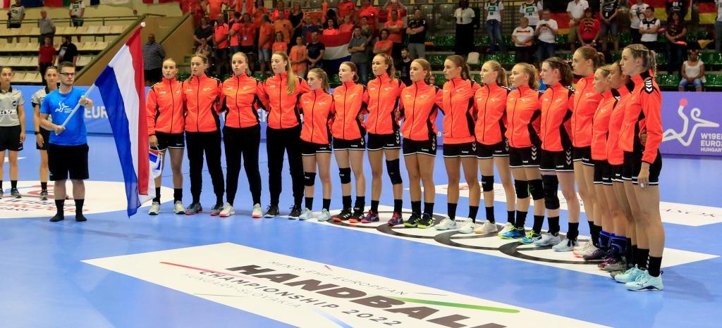Nederland U19 neemt eerste horde en wint van Duitsland
